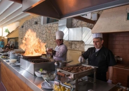 porto greco action cooking corner 1